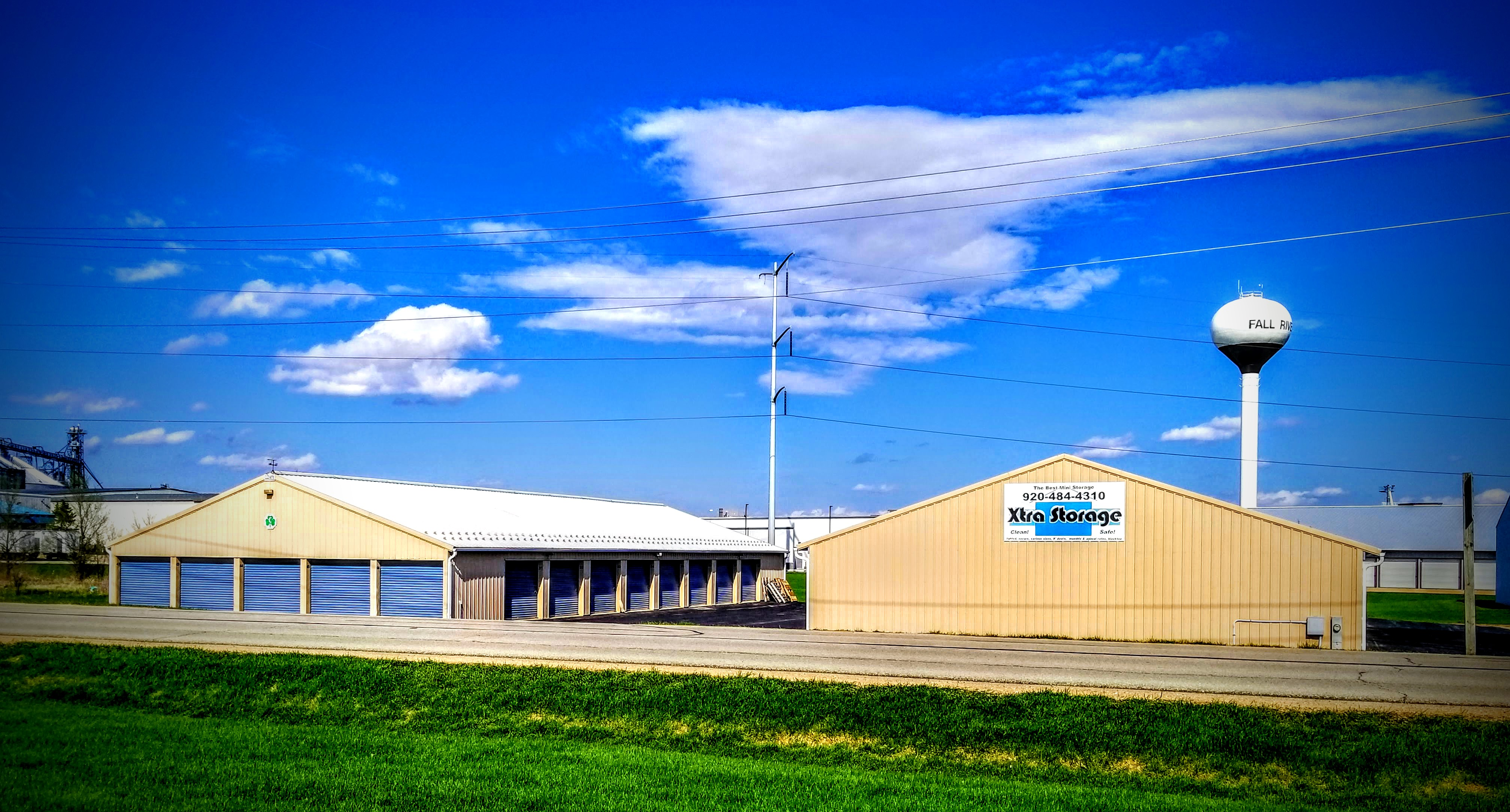 ... Wisconsin Space Store Xtra Storage Fall River, Wisconsin